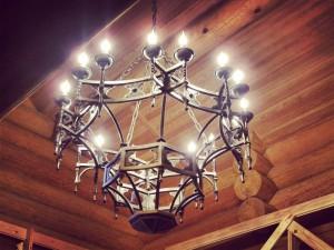 кованые светильники люстры